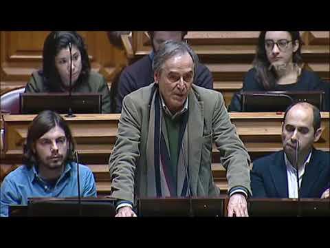 """Heitor de Sousa: """"CTT devem voltar a assumir o serviço de correio universal público"""""""